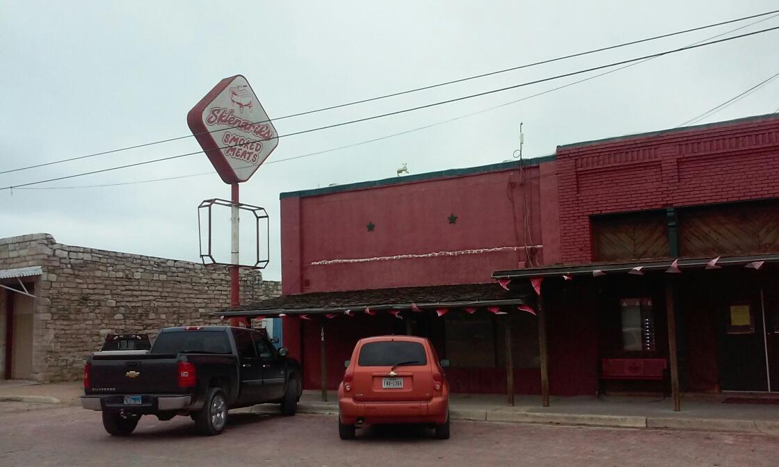 Sklenarik's Smoked Meats in Miles, TX.  Yantis Green Photo.