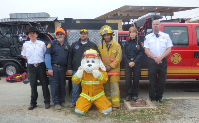 Members of the GCVFD (LIVE! Photo Holiday Bailey)