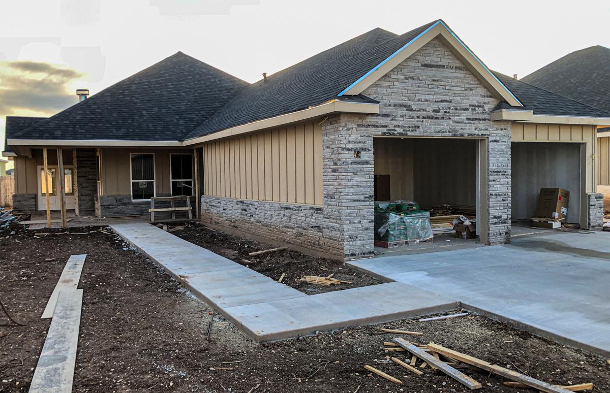 2037 Silver Creek Court, San Angelo, TX 76904