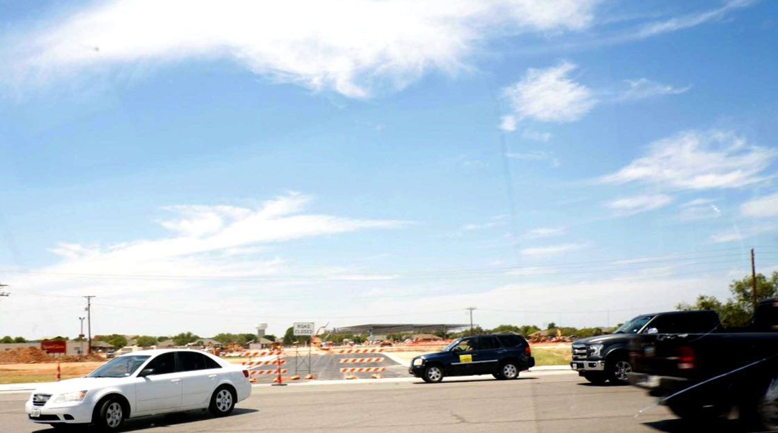 More road construction in and around the new H-E-B. (LIVE! Photo/Yantis Green)