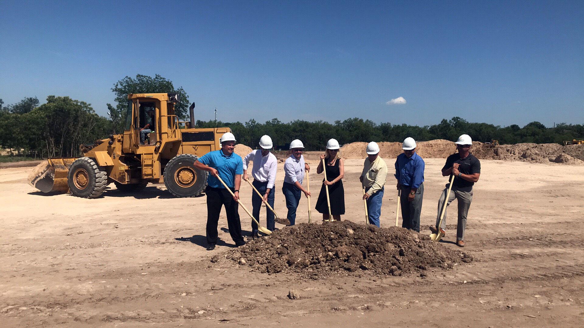 Groundbreaking for the new apartments off Rio Concho. San Angelo Mayor Brenda Gunter in the center. (LIVE! Photo/Joe Hyde)