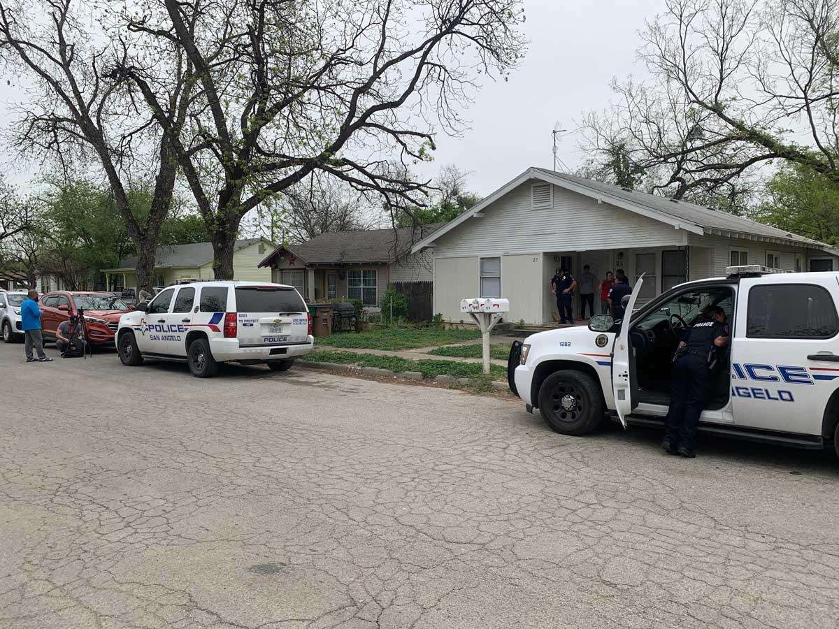 San Angelo police investigate a burglary on E. 11th Street Sunday morning, April 7, 2019. (LIVE! Photo/John Basquez)