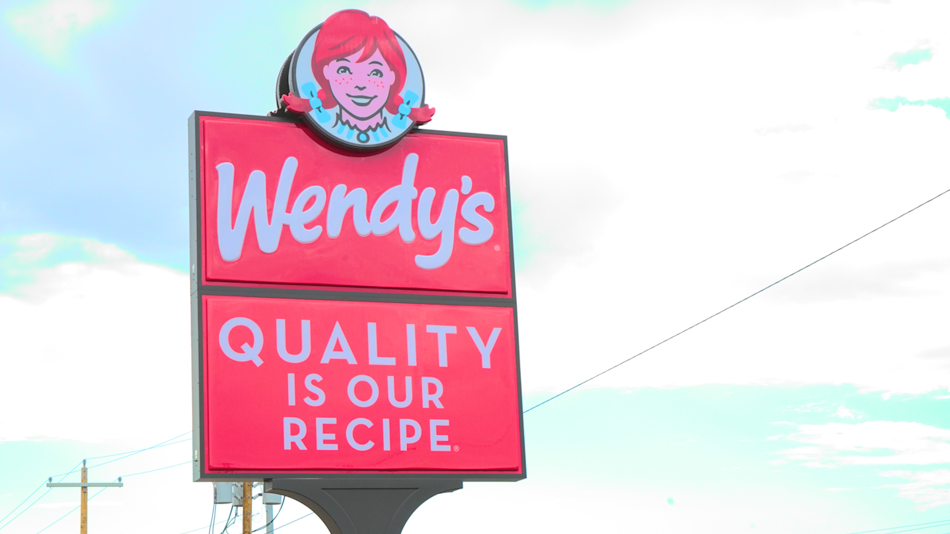 Wendy's Road Sign on 29th and Bryant (LIVE! Photo/ Matt Trammell)