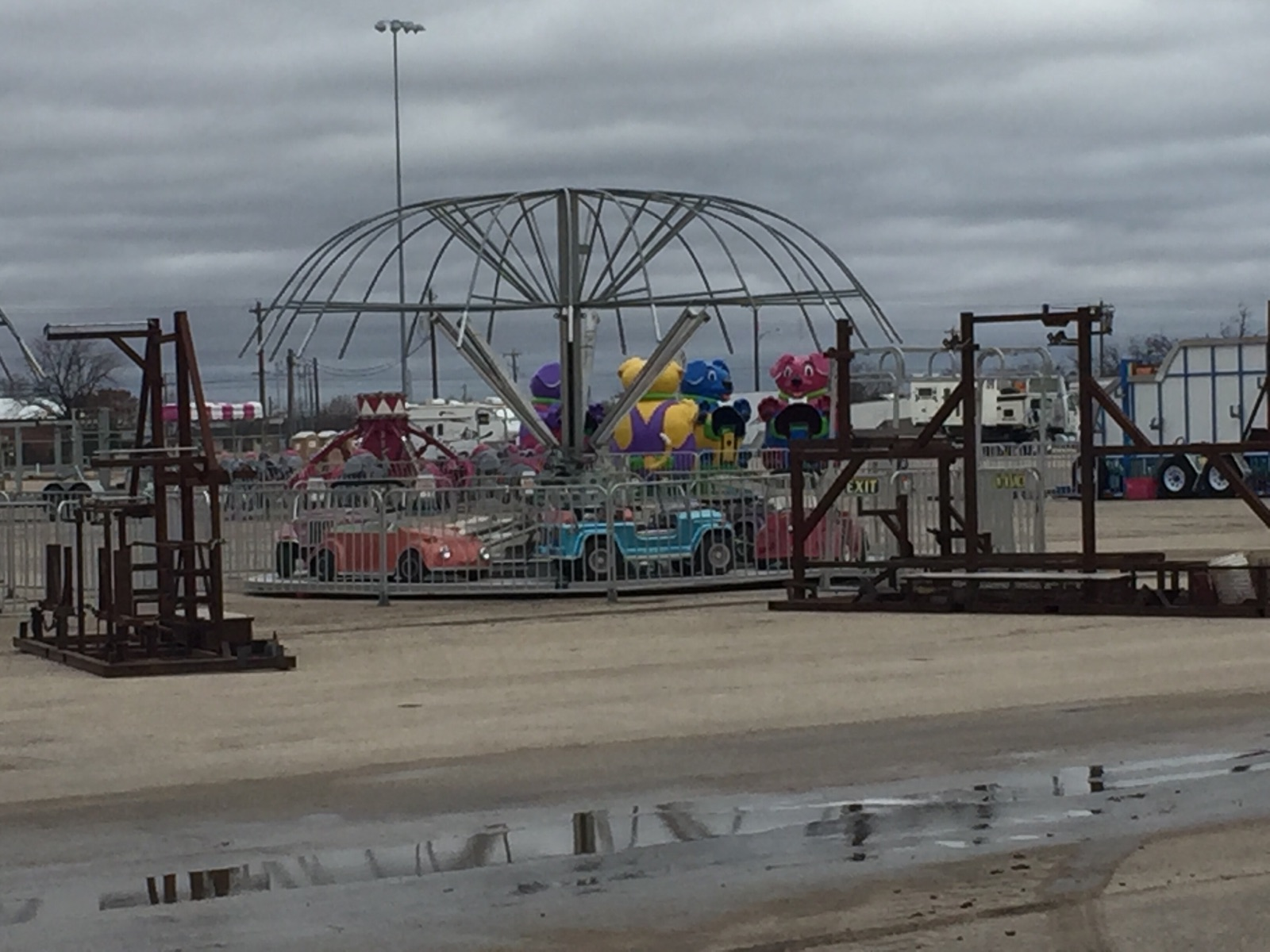 Alon carnival setting up at the San Angelo Fairgrounds 2018.  Yantis Green photo