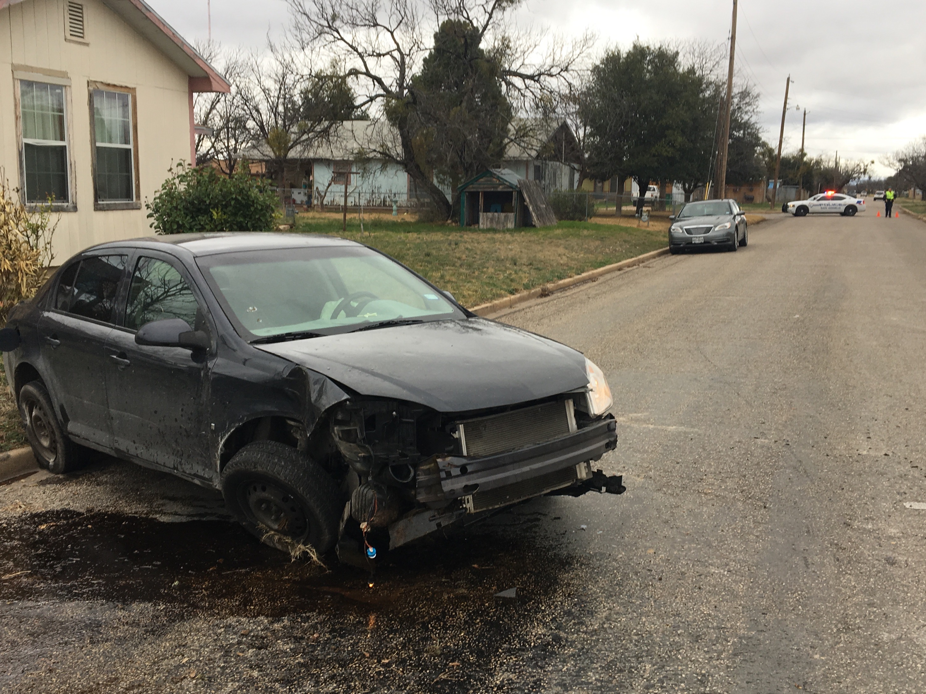 Crash on 22nd St. and Pecan. (LIVE! Photo/Cameron Niblock)