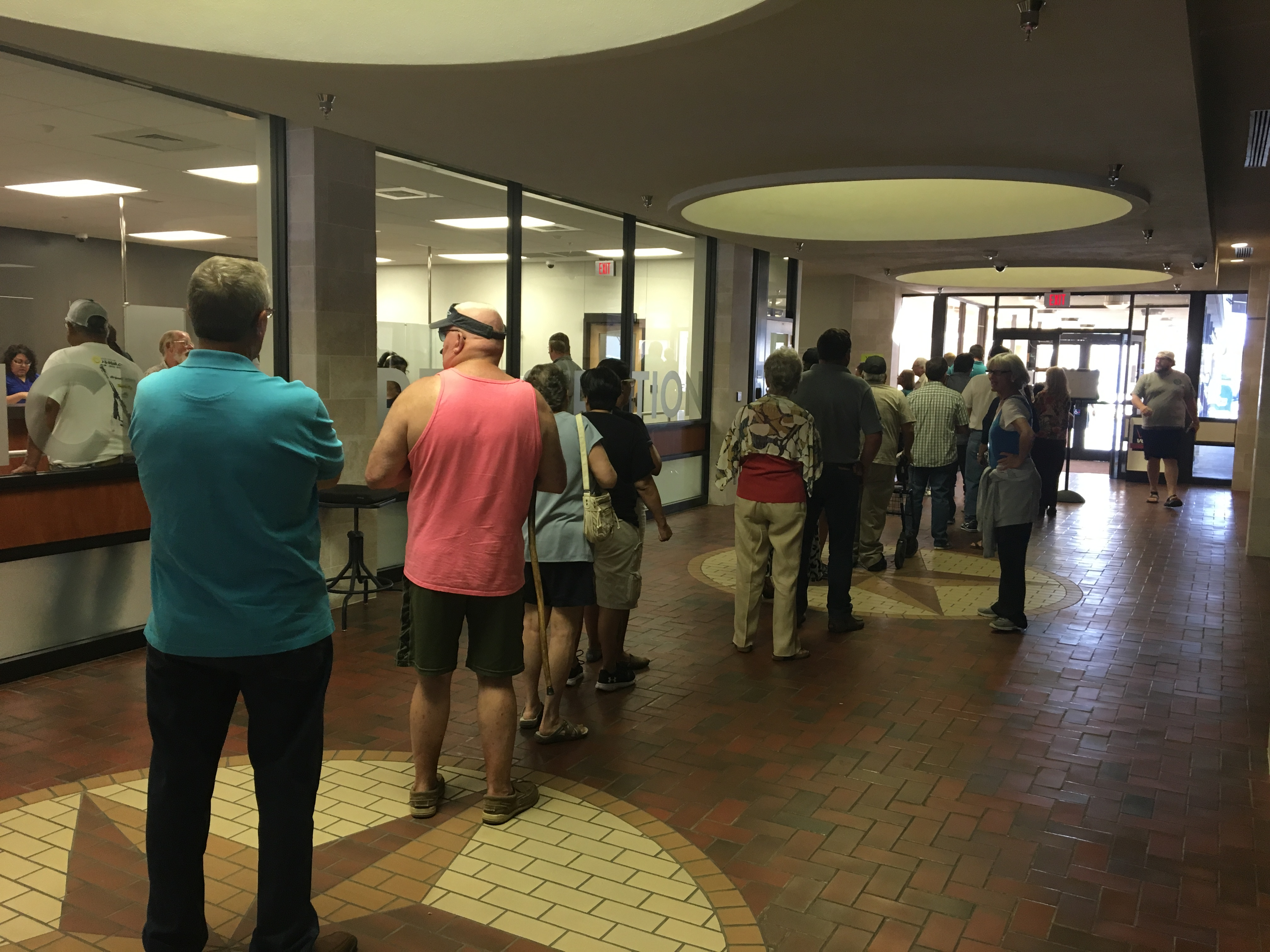 Tome Green County Residents in Line to Vote (LIVE! Photo Cameron Niblock)