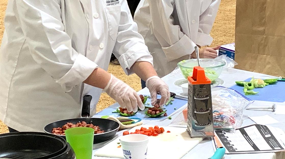 Food Challenge Contestants Preparing Food (LIVE! Photo/Matt Trammell)