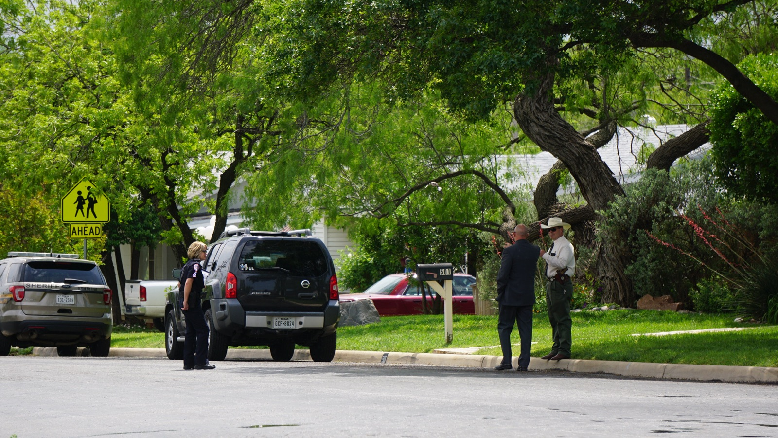 Dead body found on Jackson and Live Oak (LIVE! Photo/Cameron Niblock)
