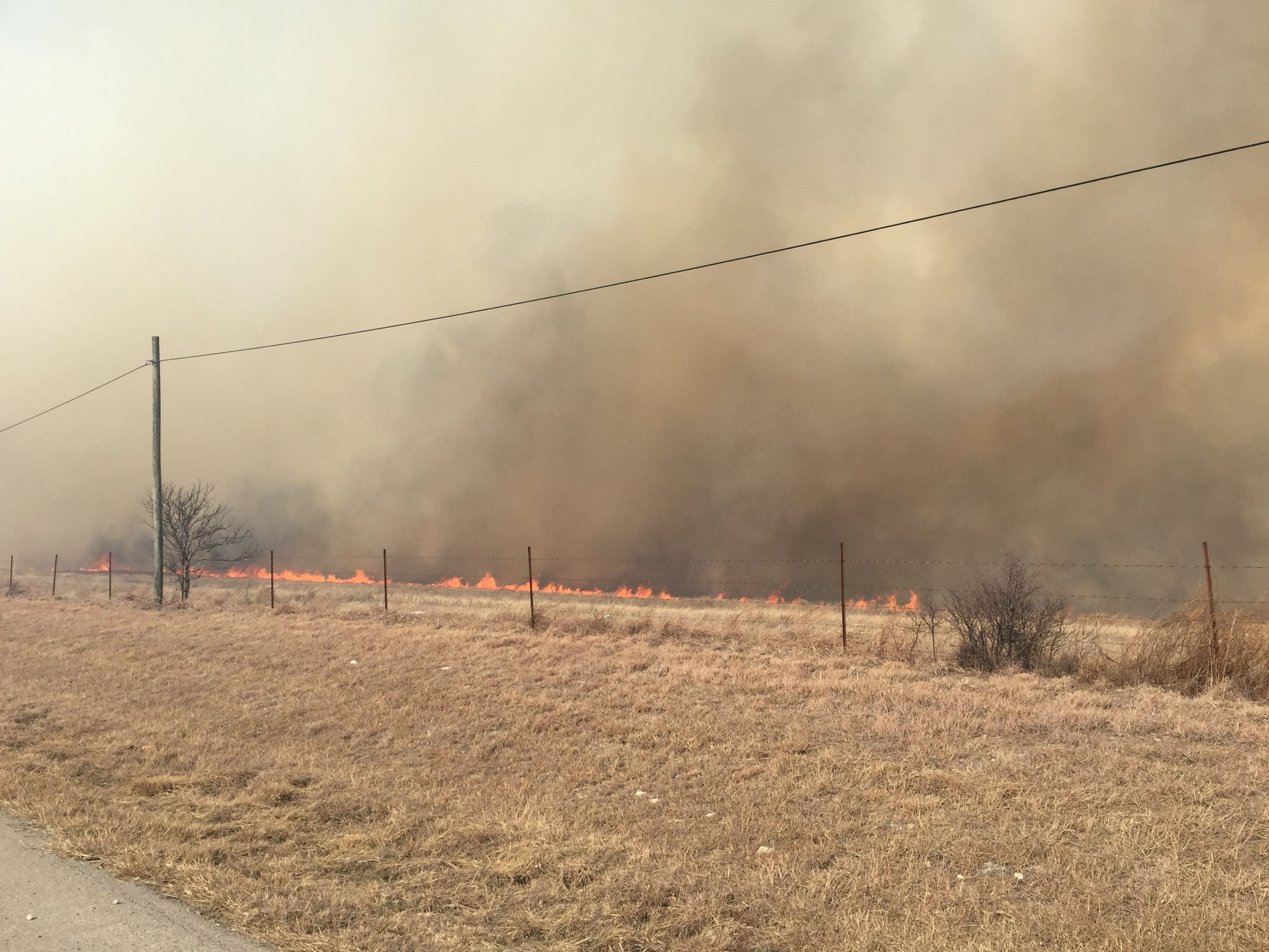 Grass fires burn Monday in Flower Mound, Parker County