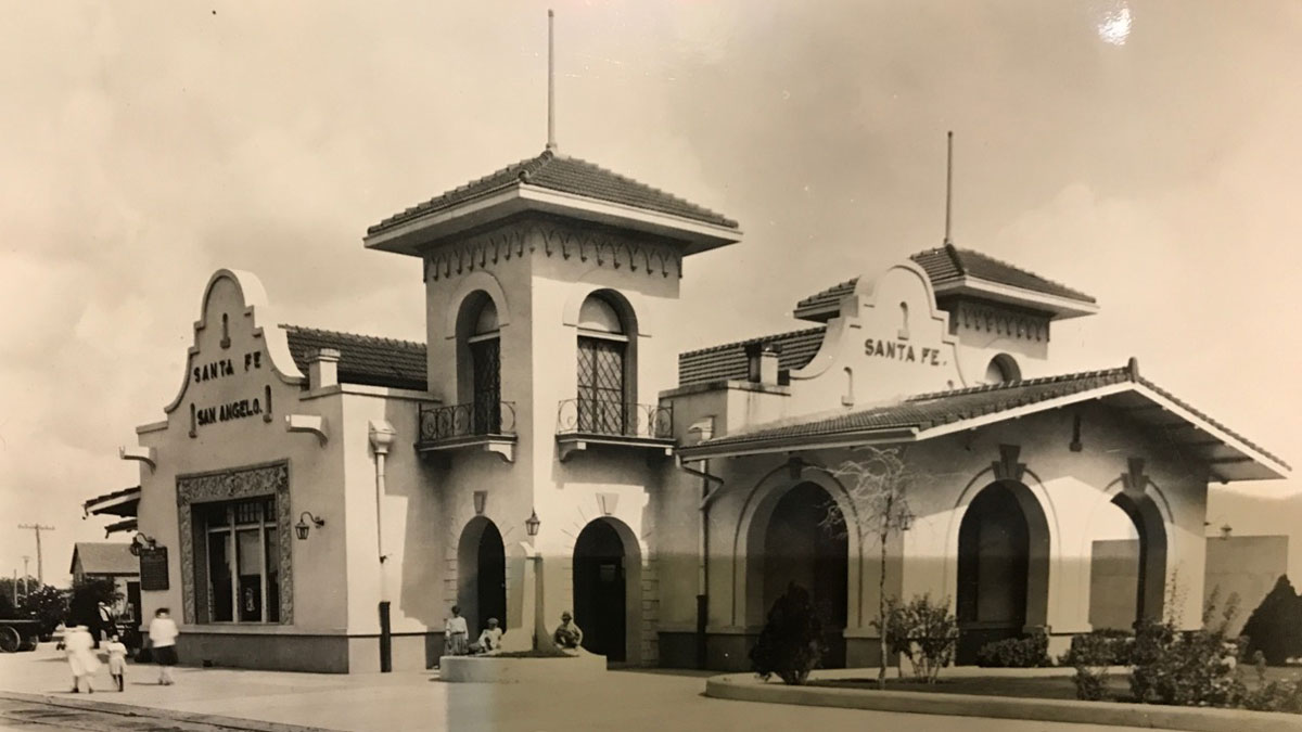 The original Santa Fe Depot that was located at N. Chadbourne St. and 4th St. The building was torn down. (LIVE! Photo/Joe Hyde)