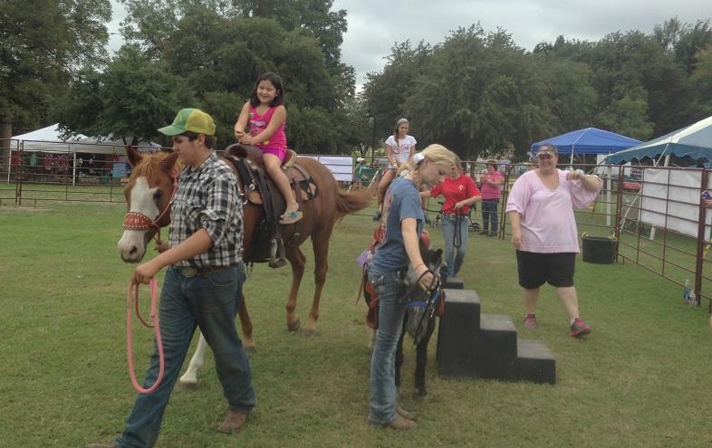Pony rides (photo courtesy of Cindy Thomas)
