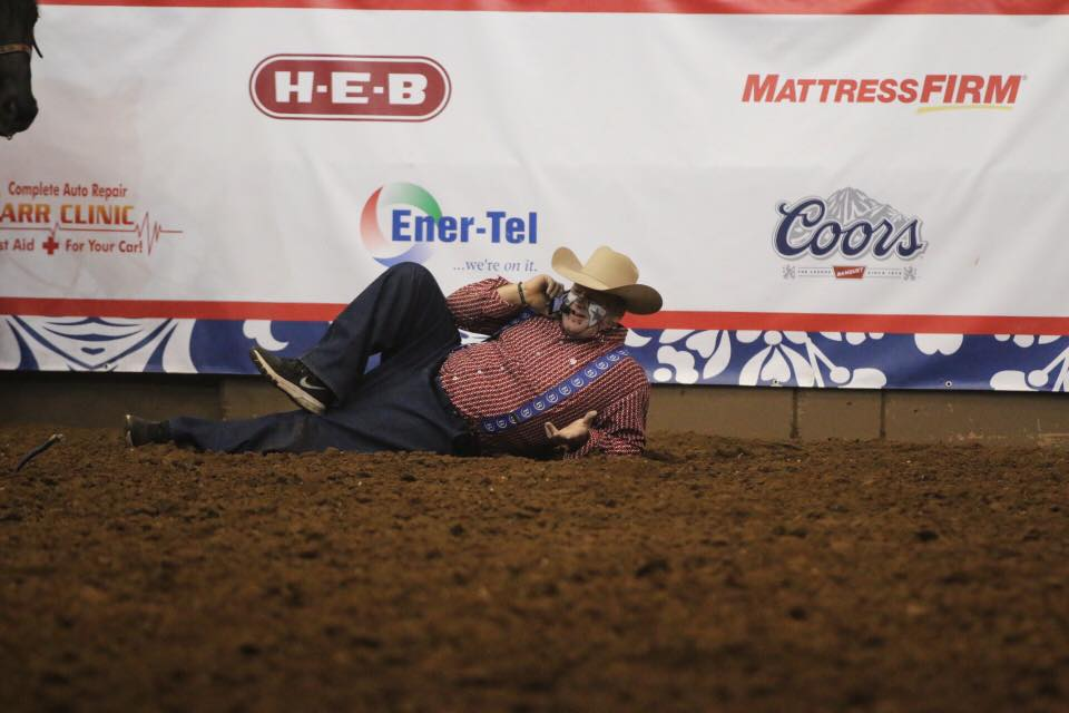 Barrelman bullfighter Justin Rumford takes a break. (LIVE! Photo/Rodney Fleming)