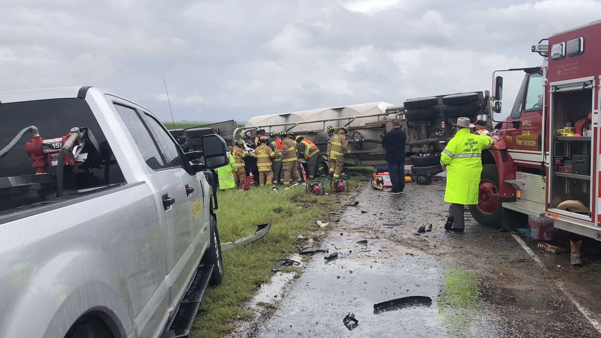 San Truck and a BMW 335i collide on U.S. 87 near Wall on Sept. 6, 2018. (LIVE! Photo/John Basquez)
