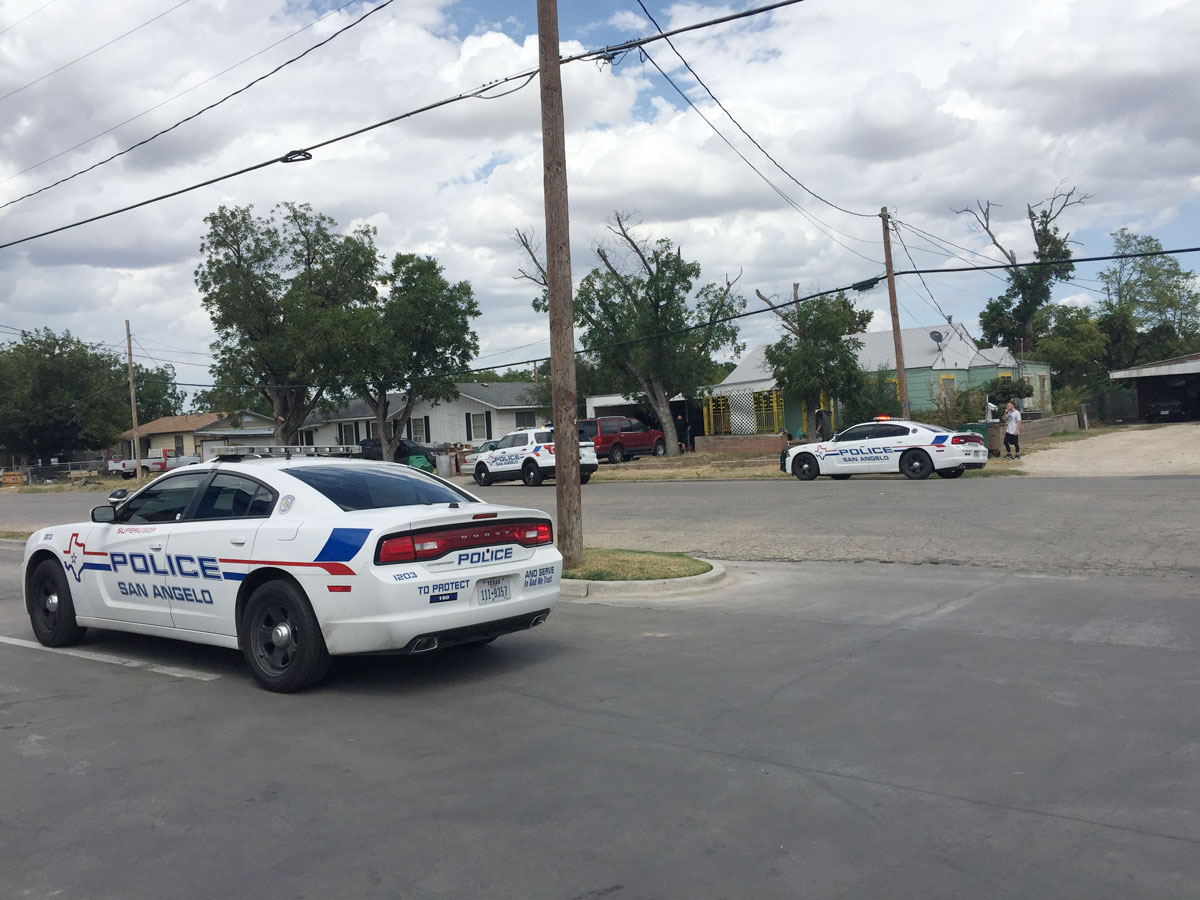 San San Angelo police stake out a residence across the street from the Stripes store where the alleged assaiAngelo police stake out a residence across the street from the Stripes store where the alleged assailant may be located. (LIVE! Photo/Yantis Green)