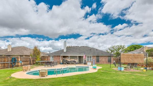 Real Estate Guide: Beautiful Southland Home With Pool