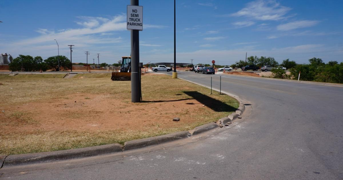 In conjunction with the new H-E-B, TxDOT is reconfiguring the roadways around the entrances and exits to the H-E-B parking lot. (LIVE! Photo/Yantis Green)