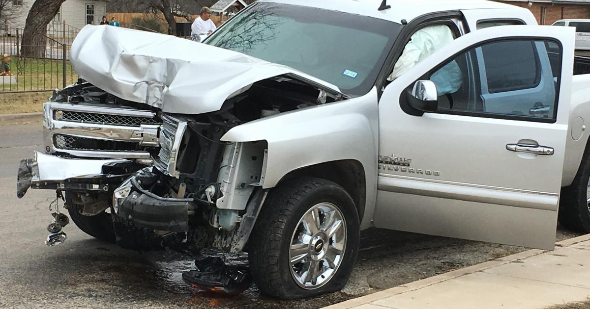 Crash on 19th Street (LIVE! Photo/Stephanie Lindgren)