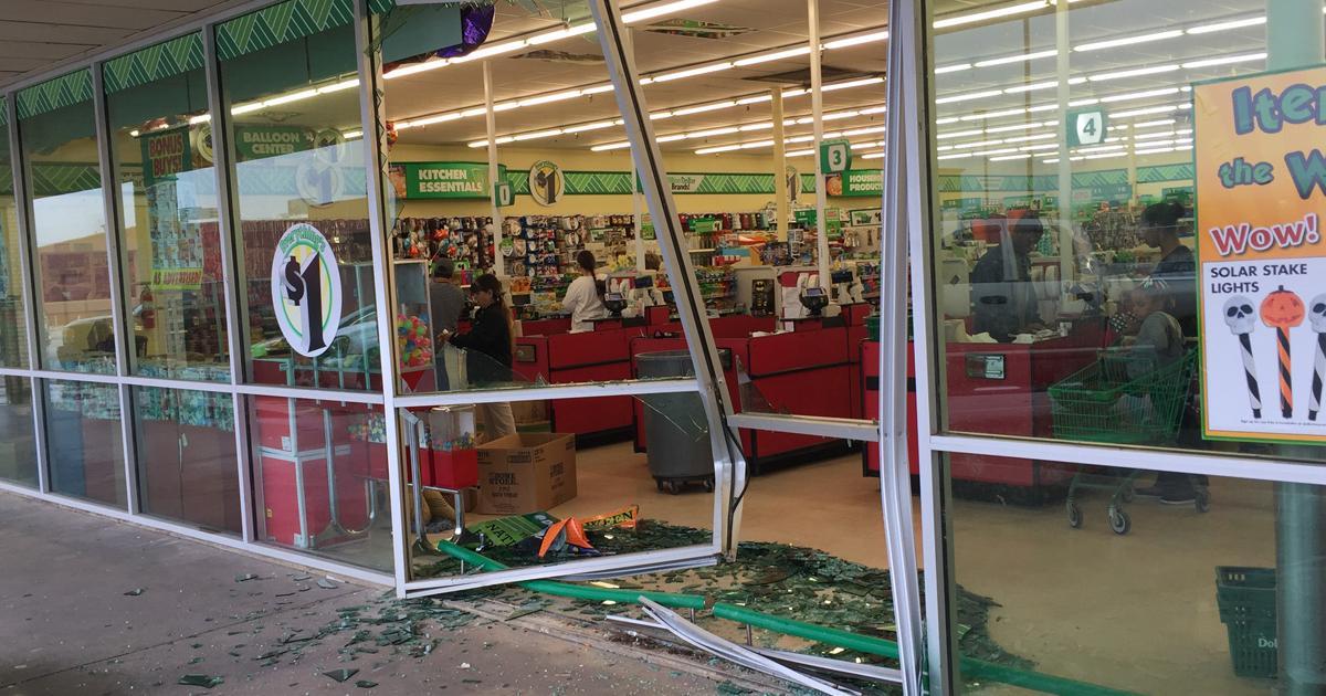 Car crashes into Dollar Tree. (LIVE! Photo/John Basquez)