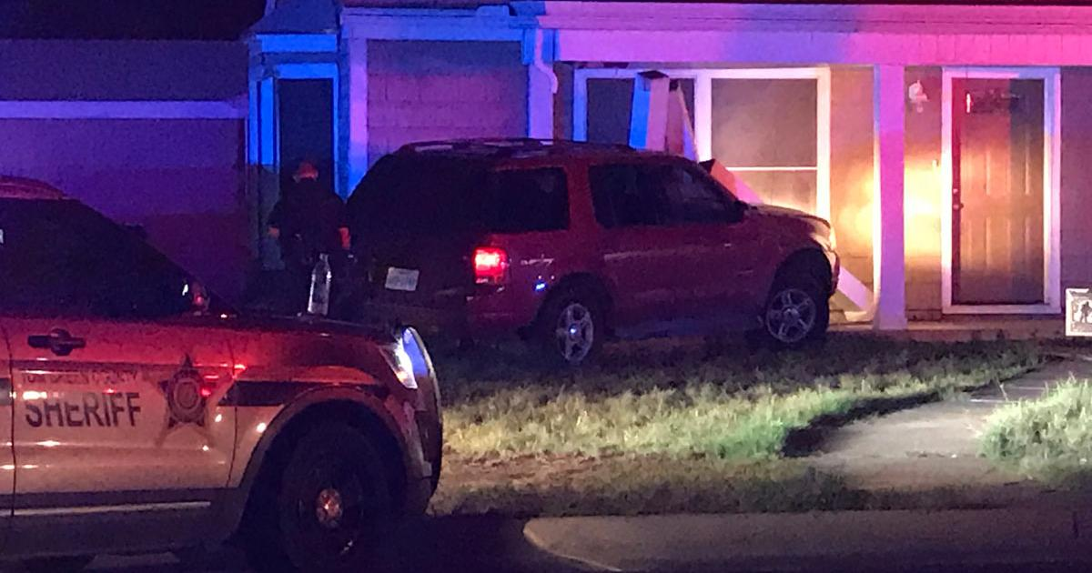High Speed Police Chase Through San Angelo Ends with Crash into Residence