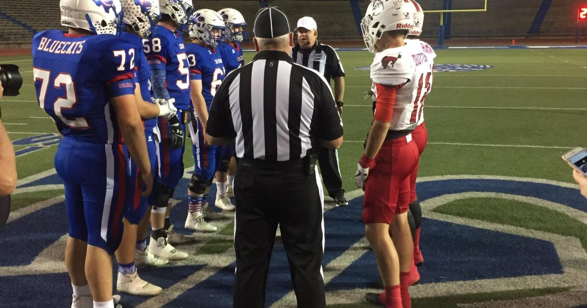 Pre-game coin toss-Coleman wins and chooses to receive, Sonora vs. Coleman at San Angelo Stadium on Nov. 16, 2017. (LIVE! Photo/Miguel Jaurequi)