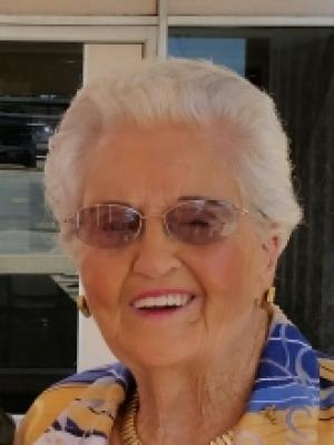 Winnie Maurine
