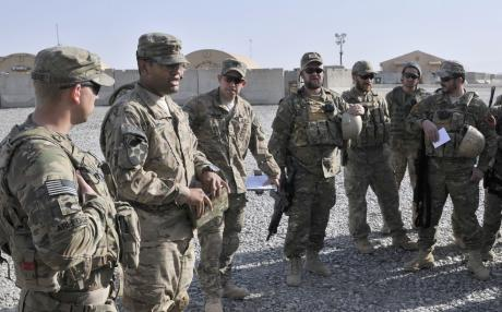 U.S. Soldiers with the Texas National Guard brief their Albanian special operations forces counterparts. (Contributed, Wikipedia)