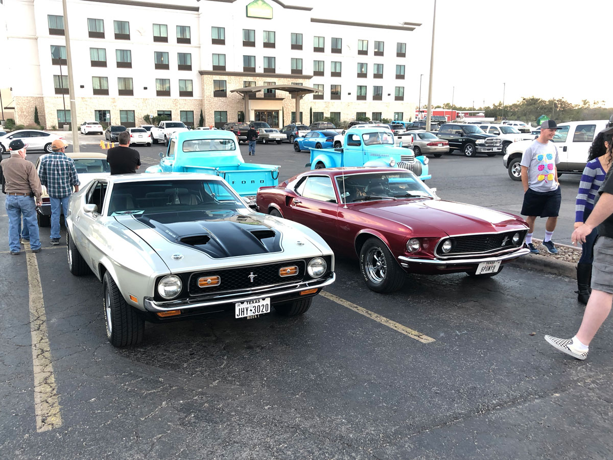 """The 1971 Mustang Mach 1 """"2nd Generation"""" next to the 1st generation design of a 1969 Ford Mustang. (LIVE! Photo/Joe Hyde)"""
