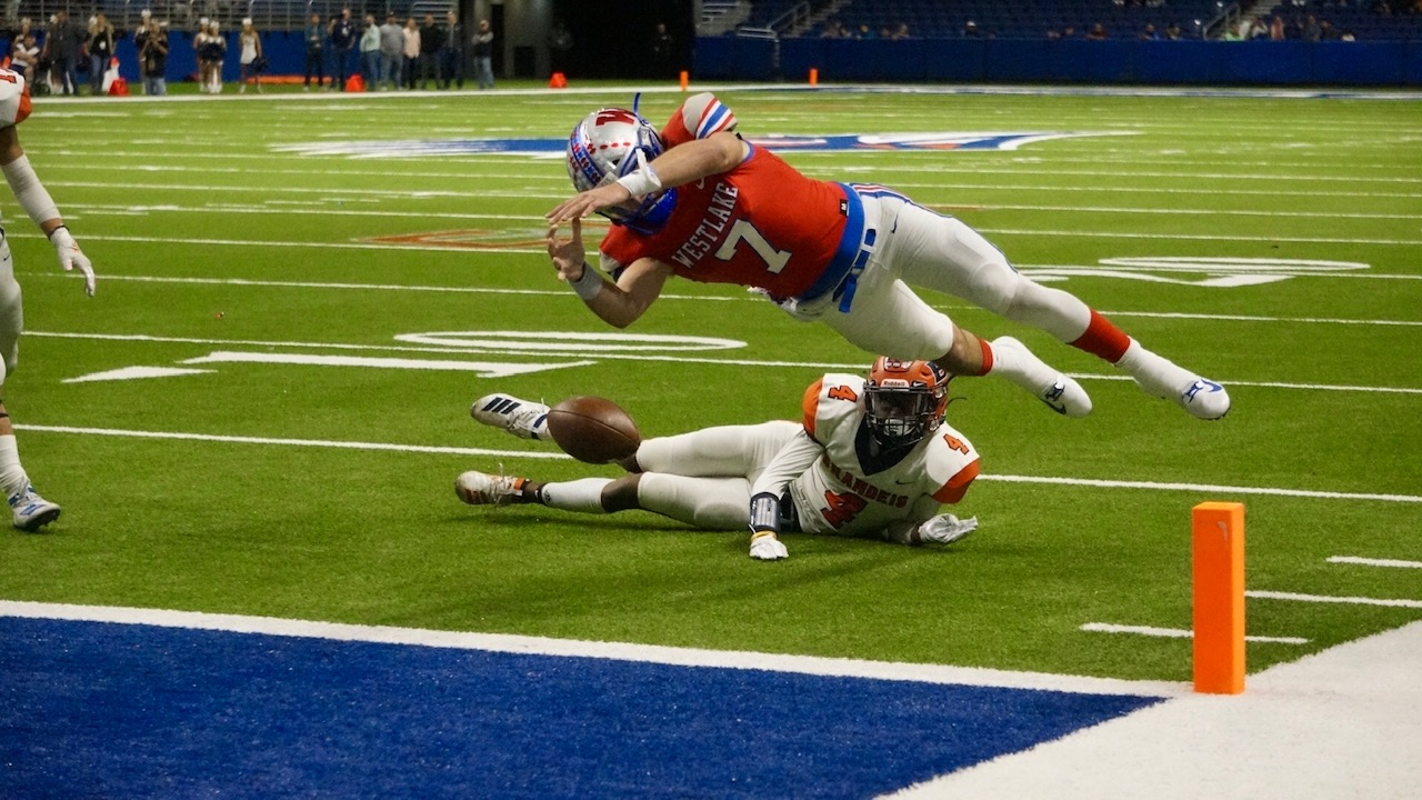 QB Kirkland Michaux dives for the pylon. The ball was ruled out at the half yard line (LIVE! Photo/Joe Z Hyde)
