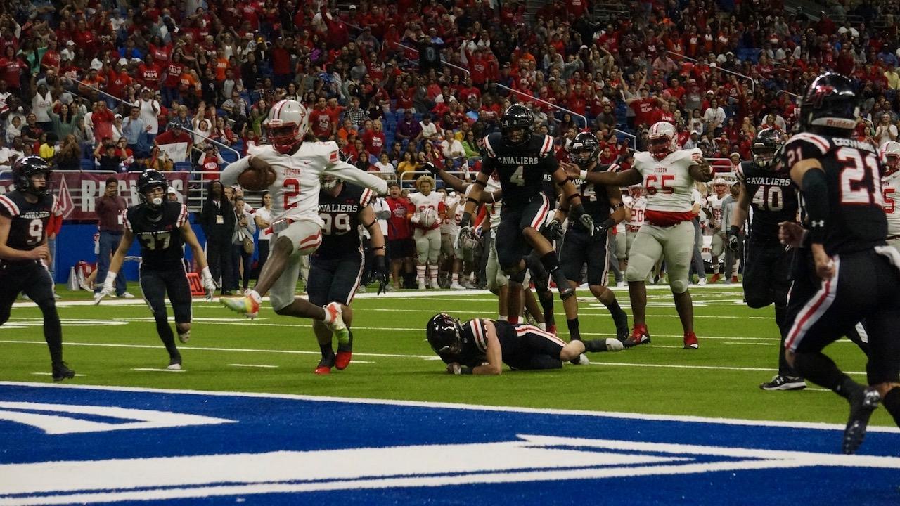Mike Chandler runs for a touchdown against Lake Travis (LIVE! Photo/Joe Z Hyde)