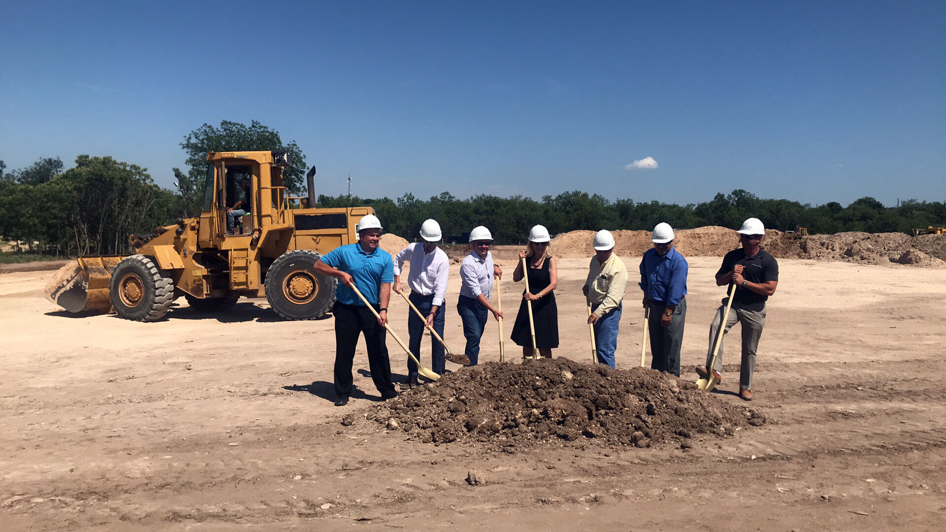 Groundbreaking for the new apartments off Rio Concho. San Angelo Mayor Brenda Gunter in the center. (LIVE! Photo/Joe Hyde)