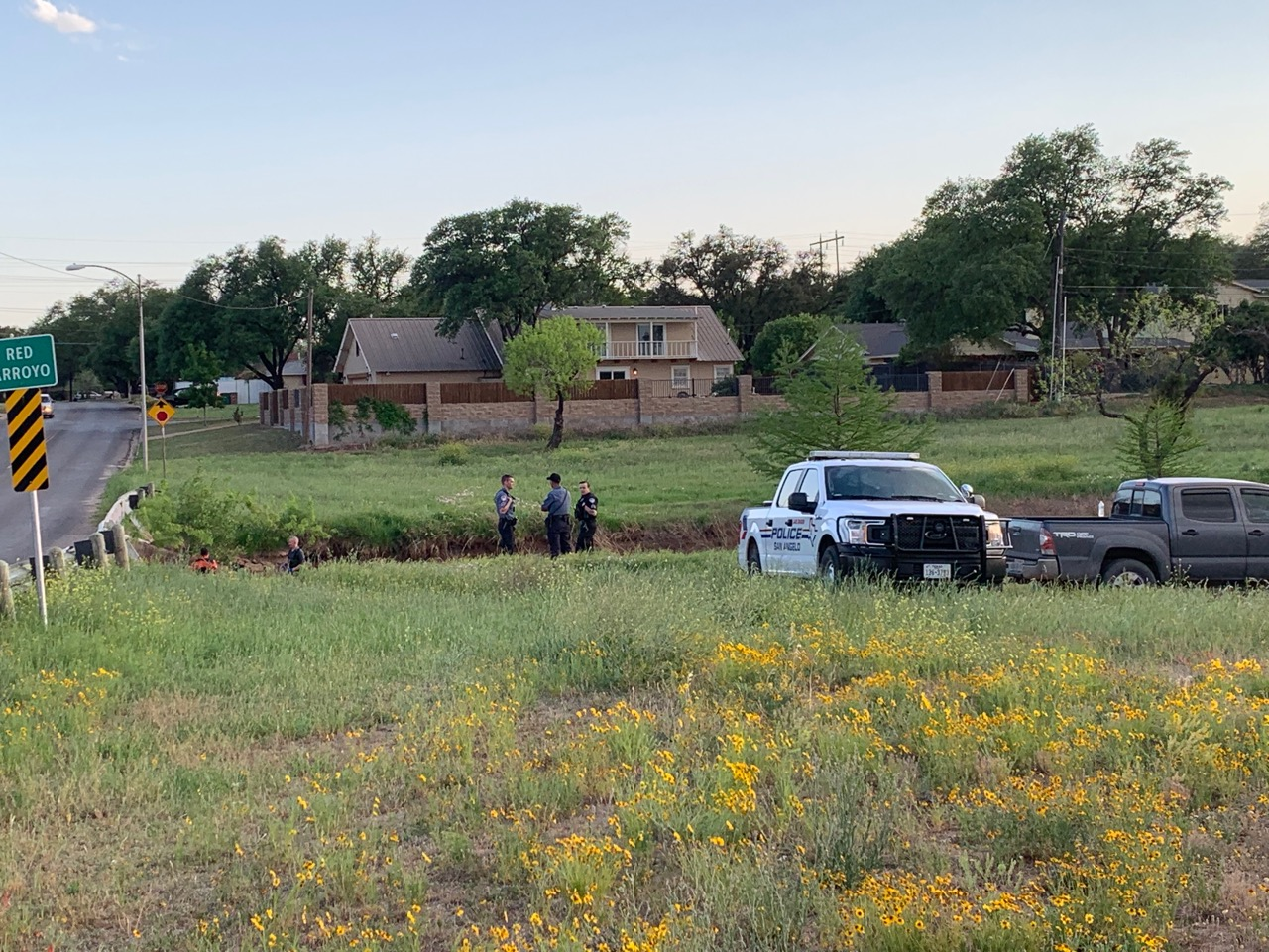 San Angelo police search for something in the Red Arroyo on April 12, 2019. (LIVE! Photo/Matt Trammell)