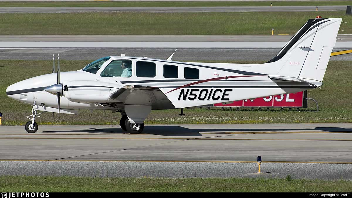 A photo of the mishap aircraft, Beech Baron N501CE, taken at Houston George Bush Intercontinental airport on March 30, 2017 by Brad Tisdel. (used with permission)
