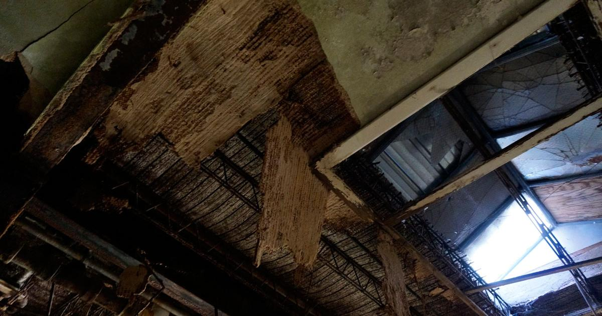 The ceiling of the first floor. (LIVE! Photo/Joe Hyde)