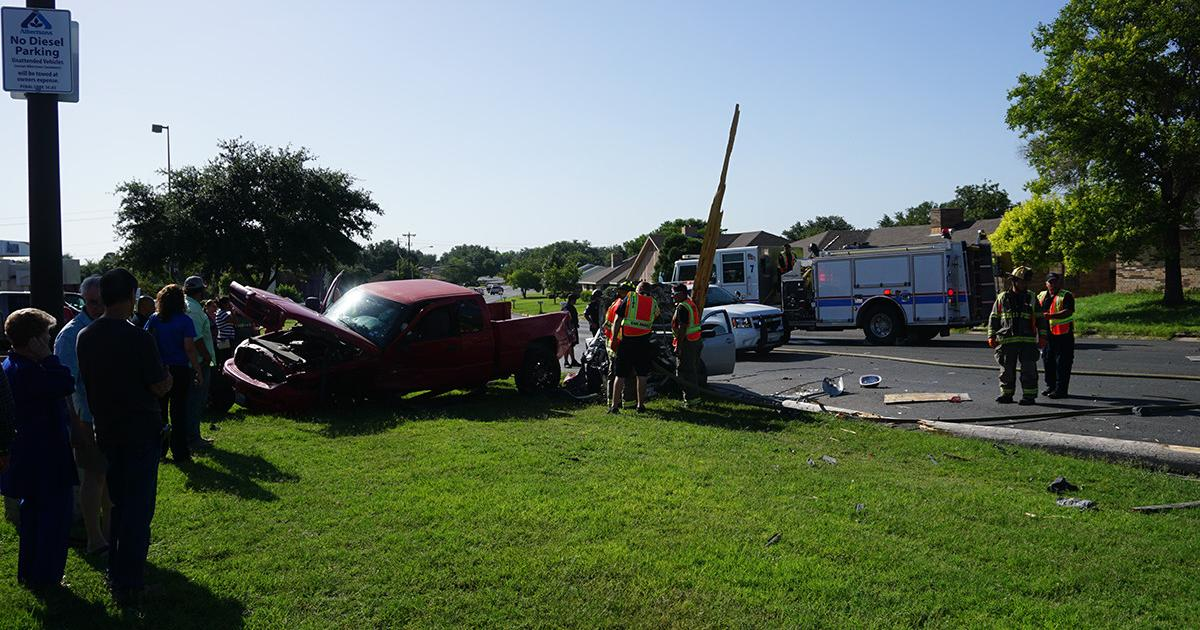 Crash at Sunset and College Hills on July 13, 2015. (LIVE! Photo/John Basquez)